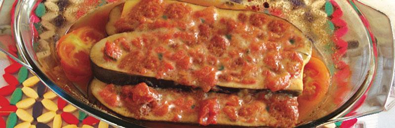 Melanzane a fette condite con pomodoro e basilico