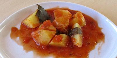 patate rosse nel piatto